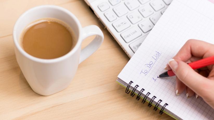 20150720161434-to-do-list-coffee-laptop
